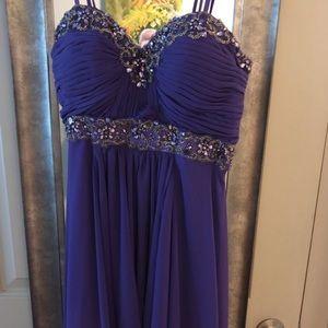 Dresses & Skirts - Purple Formal Gown/Prom Dress